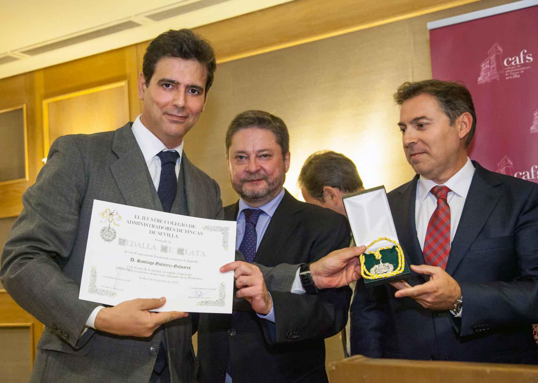 santiago-gutierrez-galnares-medalla-honor